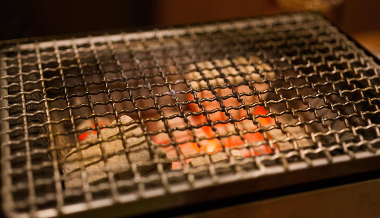どんな食材も最高の料理に変えてしまう魔法の炭火