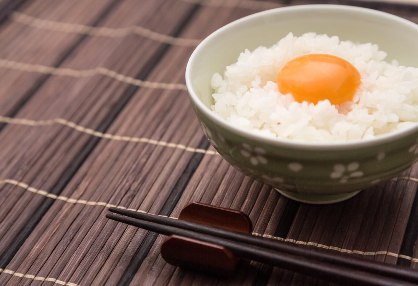 美味しく栄養満点な有精卵とブランド米のTKG(たまごかけ)ごはん
